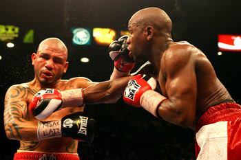 Miguel Cotto and Floyd Mayweather