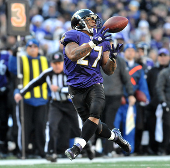 BALTIMORE, MD - DECEMBER 24:  Ray Rice #27 of the Baltimore Ravens hauls in a pass for a touchdown against the Cleveland Browns at M&T Bank Stadium on December 24. 2011 in Baltimore, Maryland. The Ravens lead the Browns 17-0 at the half. (Photo by Larry F