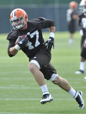 It's Smelley vs. Marecic at Browns' camp this year.