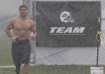 Tim-tebow-shirtless_display_image
