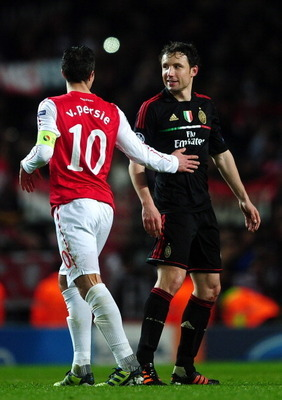 Van Persie (left) Van Bommel (right)