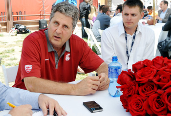 Mike Leach looks to captain the Cougar ship