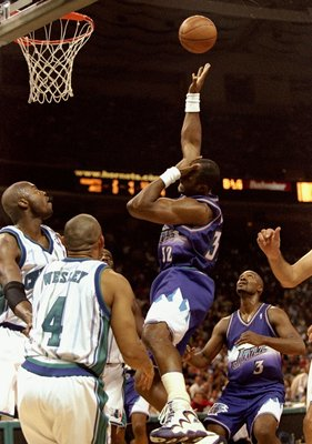 This photo was taken in 1998, four years prior to the Hornets' move to New Orleans. But it is against the same team the team defeated in its' New Orleans debut.