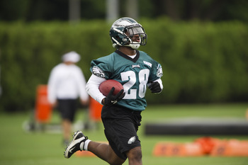 Dion Lewis is the only Eagles RB after McCoy with NFL experience