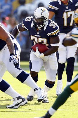 August 9, 2012, San Diego, CA:  San Diego Chargers fullback Le'Ron McClain (33) carries the ball in the first quarter against the Green Bay Packers at Qualcomm Stadium. Mandatory Credit: Jody Gomez-US PRESSWIRE