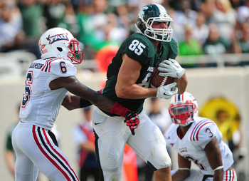 Celek (No. 85) while at Michigan State.