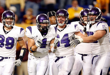 Al Netter with his teammates at Northwestern.