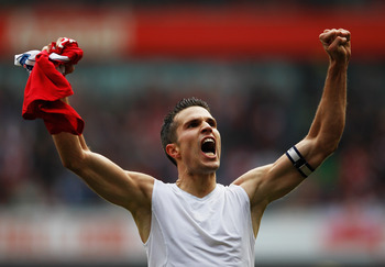 RVP celebrating in front of the Arsenal fans