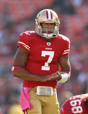 SAN FRANCISCO, CA - OCTOBER 09:  Colin Kaepernick #7 of the San Francisco 49ers in action against the Tampa Bay Buccaneers at Candlestick Park on October 9, 2011 in San Francisco, California.  (Photo by Ezra Shaw/Getty Images)
