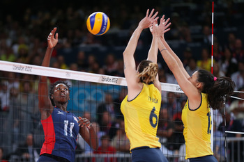 After a poor first set, the Brazilian women's indoor volleyball team rebounded to win the final three sets and win the gold.