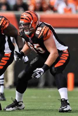 CINCINNATI, OH - SEPTEMBER 25:  Clint Boling #65 of the Cincinnati Bengals blocks against the the San Fracisco 49ers at Paul Brown Stadium on September 25, 2011 in Cincinnati, Ohio.  (Photo by Jamie Sabau/Getty Images)