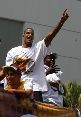 Ariza, celebrating his 2009 championship in the city's ticker tape parade.