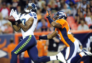 Terrell Owens couldn't hold on to the ball against the Broncos.