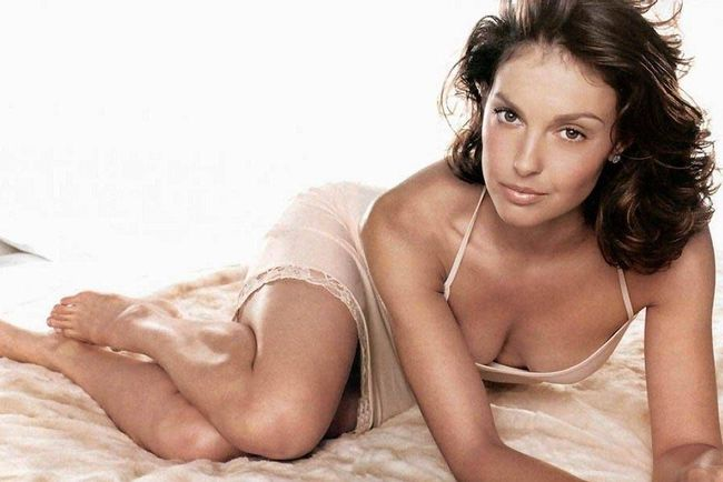 26ashleyjudd-inflexwetrust_crop_650