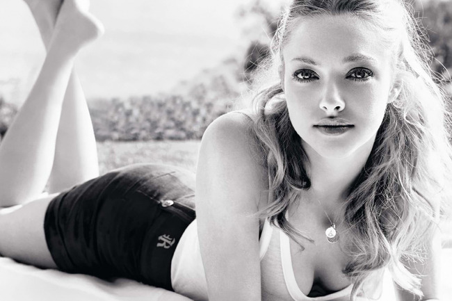 22amandaseyfried-celebritywallpaperbase_crop_650