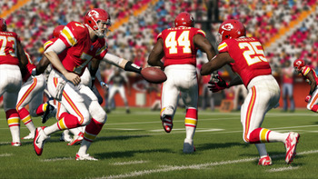 Madden-13-hand-off_display_image