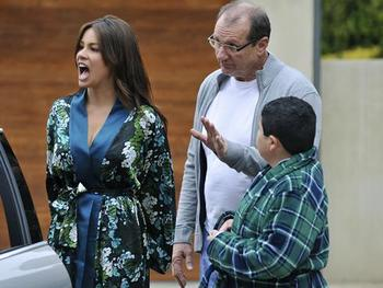Modernfamily_display_image