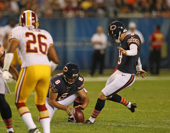 Robbie Gould kicks one of his four field goals on Saturday night.