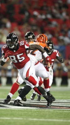Brown looks to be the leader for the No. 3 Tight End job. Courtesy AtlantaFalcons.com
