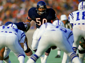 Mike Singletary (photo courtesy of Sports Illustrated)
