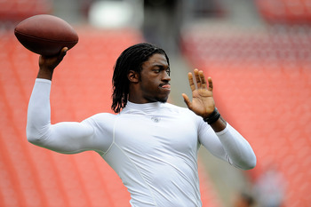 LANDOVER, MD - AUGUST 25:  Robert Griffin III #10 of the Washington Redskins warms up before a preseason game against the Indianapolis Colts at FedExField on August 25, 2012 in Landover, Maryland.  (Photo by Patrick McDermott/Getty Images)