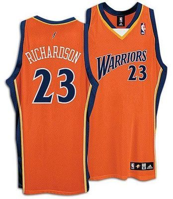 The 2007-08 alternative jerseys were a very different style. (amazon.com)