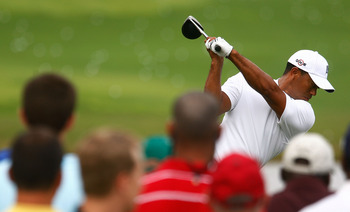Tiger Woods always draws a crowd to watch him work