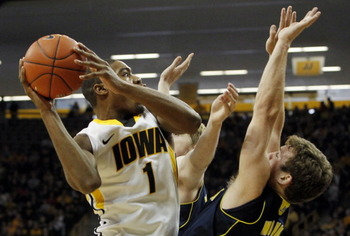 7178005-las-michiganatiowamensbasketball-01_14_2012-15