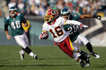 PHILADELPHIA, PA - JANUARY 01:  Brandon Banks #16 of the Washington Redskins returns a punt against the Philadelphia Eagles at Lincoln Financial Field on January 1, 2012 in Philadelphia, Pennsylvania.  (Photo by Rob Carr/Getty Images)