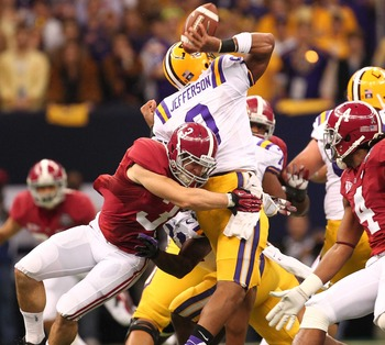 Vinnie Sunseri smashing LSU quarterback Jordan Jefferson.