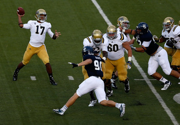 Jeff Baca, No. 60, looking for someone to block in Thursday's college football opener vs. Rice.