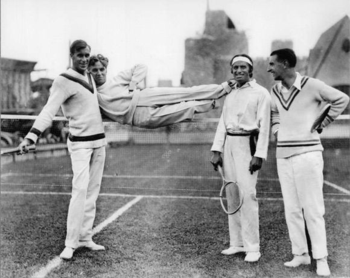 Tilden [left] with Charlie Chaplin, Douglas Fairbanks, Manuel Alonso. bandofthebes.typepad.com