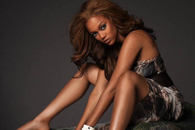 86tyrabanks-fanpop_crop_650