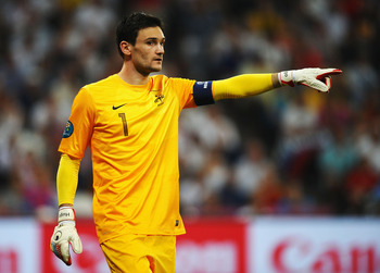 DONETSK, UKRAINE - JUNE 23:  Hugo Lloris of France directs his defence during the UEFA EURO 2012 quarter final match between Spain and France at Donbass Arena on June 23, 2012 in Donetsk, Ukraine.  (Photo by Laurence Griffiths/Getty Images)