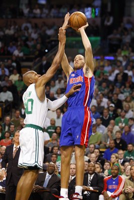 Tayshaun has always had a pretty stroke.