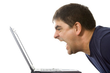 Man-screaming-at-computer11_display_image