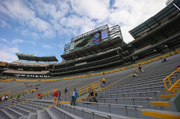 The new video boards are in place at Lambeau Field.
