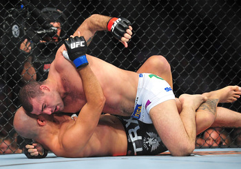Shogun Rua beating down Brandon Vera.