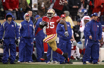 Vernon Davis is Alex Smith's favorite red-zone target.