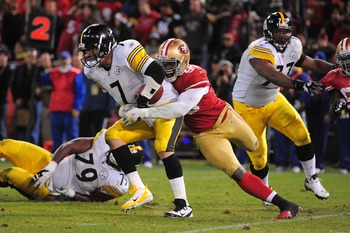 Aldon Smith sacks Ben Roethlisberger.