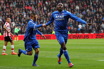I'm pretty sure Jozy is celebrating a goal, but he could just be frolicking.