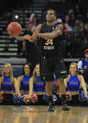 Mays, a transfer from Wright State, will wear No. 34 next season.