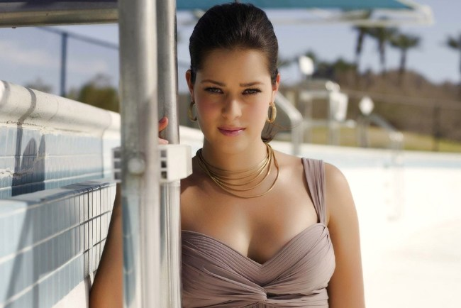 21anaivanovic-underwalls_crop_650