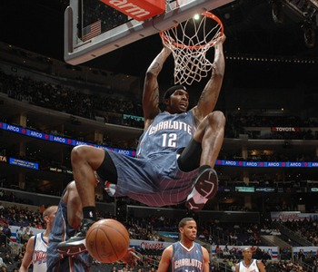 Tyrus-dunking_display_image