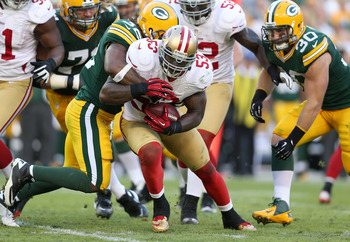 NaVorro Bowman intercepts Aaron Rodgers
