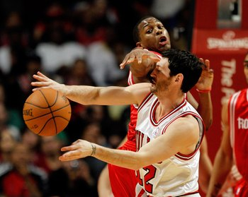 Kirk Hinrich will be relied upon primarily for his defense in Rose's absence.