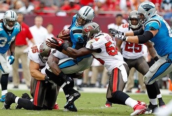 Lavonte David helped make Cam Newton very uncomfortable week 1