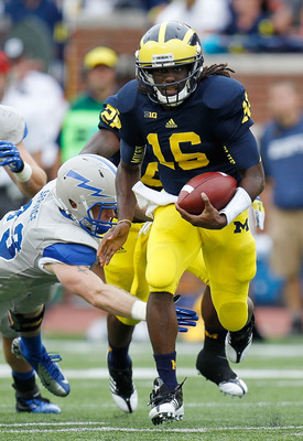 Denard Robinson racked up over 400 yards of offense, including two highlight reel runs, in Michigan's win over Air Force last Saturday.