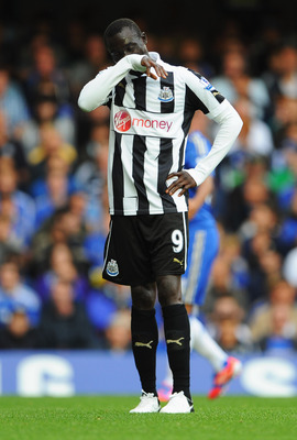 LONDON, ENGLAND - AUGUST 25:  Papiss Demba Cisse of Newcastle United looks despondent during the Barclays Premier League match between Chelsea and Newcastle United at Stamford Bridge on August 25, 2012 in London, England.  (Photo by Michael Regan/Getty Im