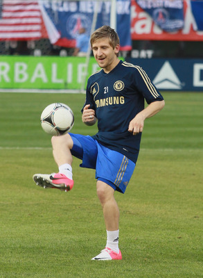 NEW YORK, NY - JULY 22: Marko Marin #21 of Chelsea FC warms up prior to the game against Paris Saint Germain at Yankee Stadium on July 22, 2012 in New York City. (Photo by Andy Marlin/Getty Images)